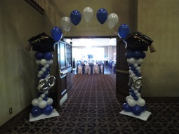 Graduation Balloon Arch (2)